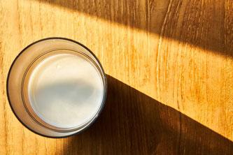 Glas Getränk Milch Schatten