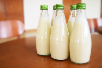 Milch in Flaschen