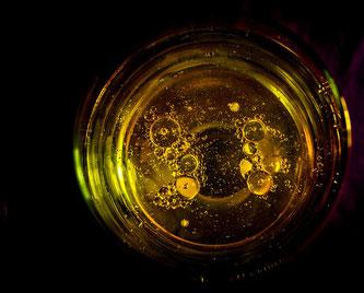 Öl im Glas
