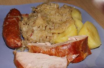Kasseler mit Sauerkraut und Kartoffel