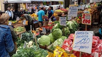 Bild: Einkaufsstraße im Quartier Stagnoli