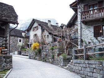 Bild: Der Ort Sonogno in der Schweiz