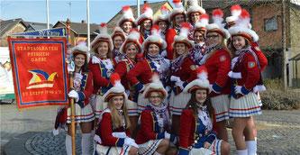 Die Mädels der Prinzengarde versammelten sich mit den Stadtsoldaten zum traditionellen Biwak.