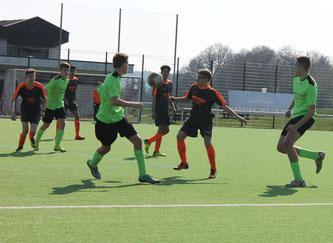Die B1-Junioren gewinnen verdient mit 2:1 in Wanderath.