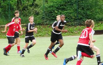 Die D1-Junioren schaffen am letzten Spieltag den Klassenerhalt.
