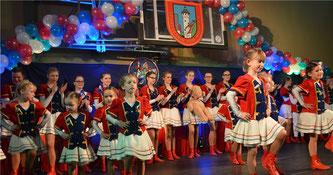 Der SV-Nachwuchs präsentiere zahlreiche Tänze.