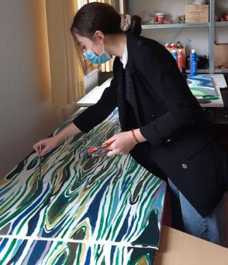 Sarina bei der Arbeit