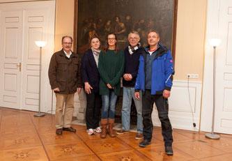 Dr. Wolfgang Hinners (2 v.r.) freut sich mit seinen MitarbeiterInnen Irene Teichrib (Hausdame) und Andrea Stemmann (Sekretariat) & Reinhard Wittkampf (Facility Manager) auf den Lichterzauber (Foto: Brüggenthies)