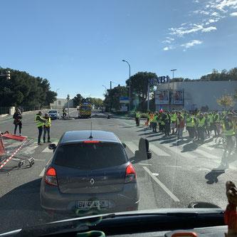 Eine von vielen Gillet Gaue Strassenblockaden.