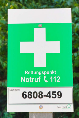 Der Rettungspunkt am Kleinblittersdorfer Waldfriedhof.