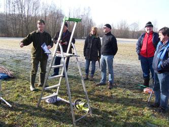 Einweisung durch Bernd Hoffmann (links). Foto: Steffen Wagner