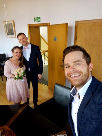 Entspannte Corona-Hochzeit auf Abstand mit Hochzeitssänger Fabian Schmelcher
