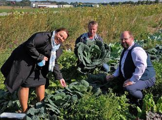 Landwirtschaftsministerin Heinen-Esser eröffnete mit ihrem Besuch auf dem Biohof die Aktionstage Ökolandbau NRW. (Bild: obs/LVÖ NRW/TK-SCRIPT)