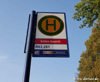 """Bushaltestellenschild mit Aufschrift """"Schöne Aussicht"""" und R63, 281"""