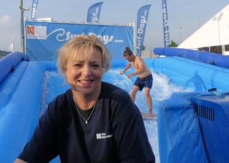 Ute Metzler in der Surf-Arena © K. Leitzbach/frankfurtphoto