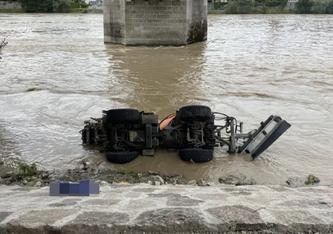 Beim Unfall in Stein AG überlebte der 26-Jährige nicht. (Bildquelle: Kantonspolizei Aargau)
