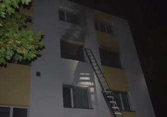 In Grenchen SO brannte letzte Nacht eine Wohnung. Die Bewohnerin wurde dabei schwer verletzt. (Bildquelle: Polizei Kanton Solothurn)