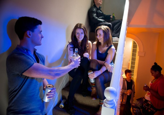 Online-Alkoholanbieter setzen den Jugendschutz zurzeit kaum durch.