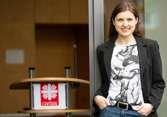 Elena Schroer hat berufsbegleitend Management in Pflege- und Gesundheitseinrichtungen studiert und in ihrer Masterarbeit Ideen für eine bessere Bewertung der Leistungskomplexe entwickelt. (Foto: FH Münster/Anne Holtkötter)