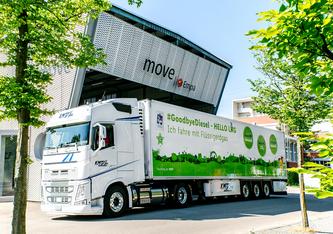 Bis 2030 wird der Detailhändler Lidl Schweiz für den Betrieb seiner Lastwagen von fossilem Erdgas auf verflüssigtes erneuerbares Gas umsteigen. Bild: Lidl Schweiz