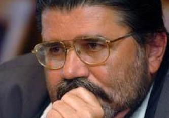 """Zoltán Kovács - nicht zu verwechseln mit dem gleichnamigen Regierungssprecher- Jahrgang 1952, Foto anbei, Schriftsteller, Publizist, seit 1993 Chefredakteur von """"Élet és Irodalom"""". 1996 Pro Literatura-Preis, 1998 Joseph Pulitzer Preis."""