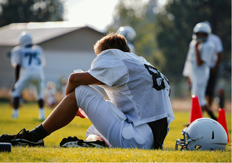 Um sportliche Top-Leistungen zu erbringen, muss der Körper ausgeruht sein. Die Regeneration in Wettkampfsituationen kann CBD-ÖL fördern. (unsplash.com @ Timothy Eberly (CC0 Creative Commons))