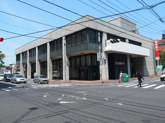 職員がプログラムに参加した青森銀行八戸支店