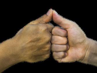 Zwei Hände, ein Versprechen
