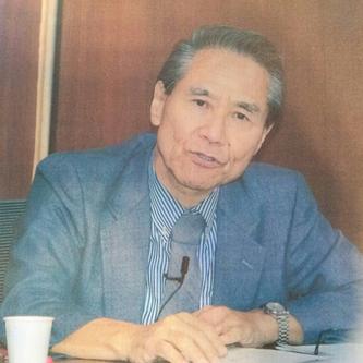 Prof. Kenji Takita speaks during his lecture at Chuo University.