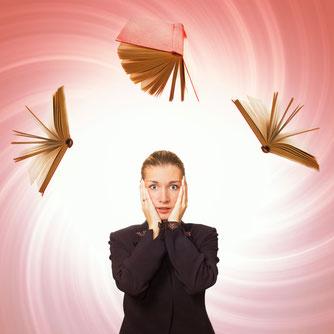 Bild: Wie entsteht Prüfungsangst? Das ABC der Gefühle erklärt, woher die Ursachen von Angst bei Prüfungen kommen können.