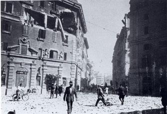 Piazza dei Sanniti subito dopo il bombardamento