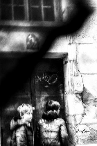 senlis, lupin, gentleman, noir et blanc, black and white, street photography, CarCam, travel