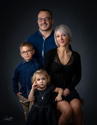 enfants, séance extérieure, future maman, séance grossesse, séance famille, portrait, famille, photographe charente, photographe angoulême, portrait famille