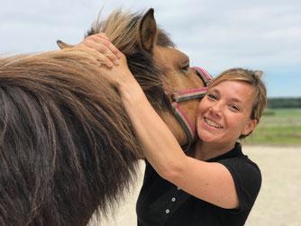 Pferd , chiropraktische Behandlung zweiter Halswirbel