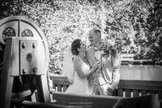 Hochzeitsfotografie in Nürnberg, Hochzeitsfotos Fürth & Nürnberg, Fotograf Hochzeit im Rathaus Nürnberg, Coole Ideen für Hochzeitsfotos im Park Nürnberg