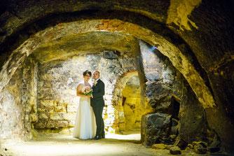 Hochzeitsfotografie Schwandorf in Weinkeller, Hochzeitsfotos Schwandorf Weinkeller, Hochzeitsfotos Ideen Schwandorf