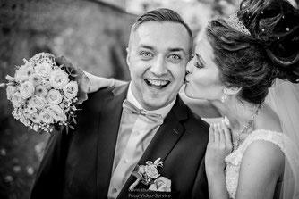 Lustige Hochzeitsfotos Amberg, Ideen für Hochzeitsfotos in Amberg, Hochzeitsfotos im Rathaus Amberg, Fotograf für standesamtliche Trauung im Rathaus Amberg