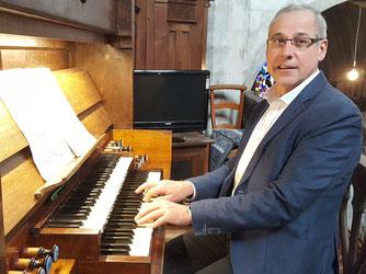 Jean-Michel Bachelet, titulaire de l'orgue de Liesse