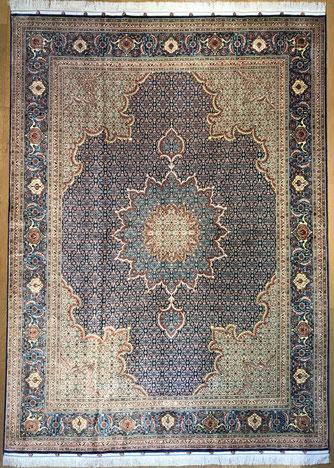 TABRIZ 100%silk  レアな美しいTABRIZのオールSILK絨毯です。ドザールサイズ SANAYE G