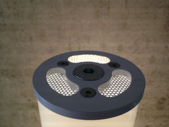 Honeycomb plate for insect protection
