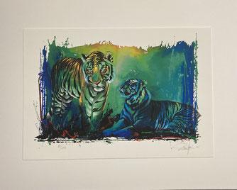 Bilder: Die 4 Zeichnungen sind erhöht auf einem Trägerkarton aufgelegt