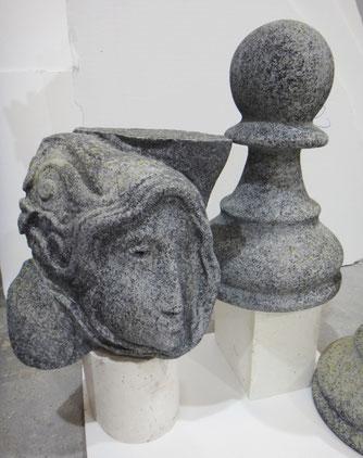 Roca tallada y acabada en granito ficticio