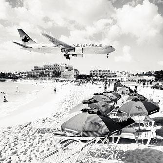 """Josef Hoflehner, """"Jet Airliner #32, St. Maarten"""", 2010, 150 x 150 cm, Auflage: Edition 5 Stück"""