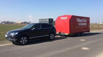 PKW,Planenanhänger,geschlossener Fahrzeugtransport