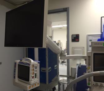 モニターアーム, UL180シリーズ, 延長付き, 医療機器, 日本光電, 生体情報モニター, ライフスコープ, G9, BSM1700, モジュール, 麻酔器, ポールマウント, クランプ, 病院, 手術室