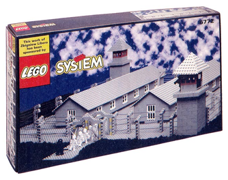 """Lego Concentration Camp"" von Zbigniew Libera, 1996"