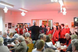 Stolzenhagener Volkschor singt Weihnachtslieder