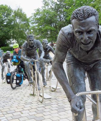 Bea hält mit den französischen Radlegenden mit!