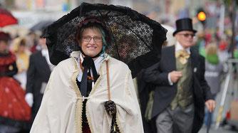 Iris mit Schirm