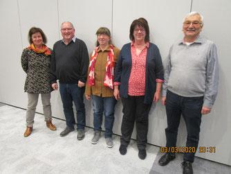 Vorstand und Kassenprüfer der neuen NABU-Gruppe (von links nach rechts): Elsbeth Wieland-Sautter (2. Vorsitzende), Kurt Wieland (1. Vorsitzender), Olga Limbach (Kassenprüferin), Anna Maria Wieland (Kassiererin), Erich Stepper (Kassenprüfer) - Foto: NABU